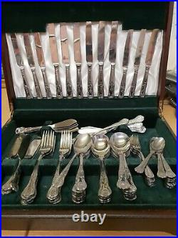 Large Assorted 77 Piece Dining Set, Viners Stainless Steel, Wooden Box B20